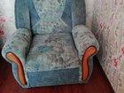 Продаётся два кресла и диван в хорошем состоянии