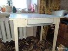 Кухонный стол с ящиком