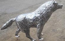 Волк скульптурный из металла