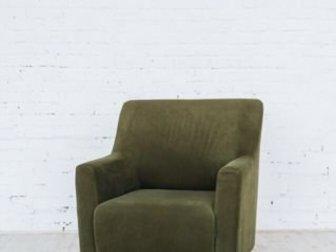 Продам кресло, зеленое, ножки массив дерева,  Подойдет для фотостудии,  Отправлю в любой город и любой транспортной компанией, в Бийске
