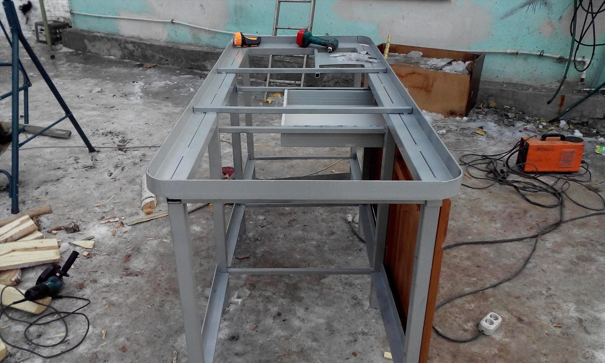 Zváracie kovové konštrukcie Jekaterinburg