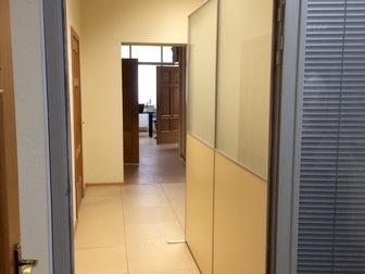 Смотреть фотографию Коммерческая недвижимость Функциональное помещение 182 м2 с отдельным входом в центре 35972650 в Хабаровске