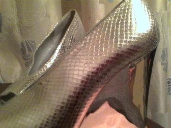 Уникальное фото  Туфли 36 разм, , новые посеребреные на высокой платформе с открытым носом, 38028450 в Иваново