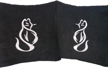 Подушки с вышивкой «Кошки»