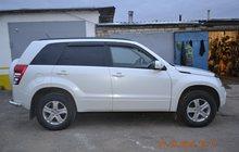 Suzuki Grand Vitara белый внедорожник 5 дверей