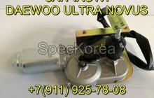 Моторчик стеклоочистителя 25389005 Doosan
