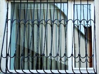 Свежее фотографию Двери, окна, балконы Решетки на окна, балконы, оградки, столики 30030940 в Краснодаре