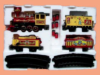 Скачать бесплатно foto Детские игрушки Игрушечный цирковой музыкальный поезд 38819777 в Краснодаре