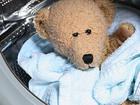 Фото в Услуги компаний и частных лиц Помощь по дому Безопасная химическая чистка мягких игрушек в Красноярске 0