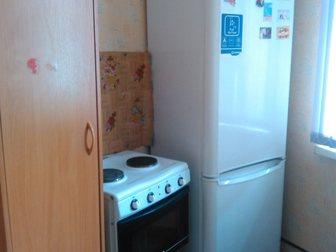 Просмотреть фото  Продам просторную гостинку в добротном кирпичном доме 33451317 в Красноярске
