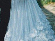 Отдам Свадебное платье Свадебное платье. Размер 44-48, там шнурки сбоку завязыва