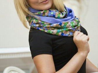 Скачать фото  Бесплатно платок-снуд от дизайнера 38572403 в Москве