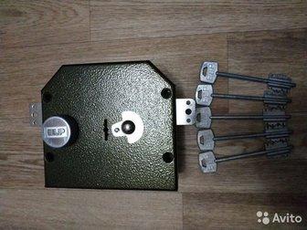 Дверной накладной замок фирмы ELP Казаньсостояние отличное, в пользовании меньше годапять ключей, с засовом в Кургане