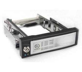 Изображение в   Продается новый сменный бокс для HDD  Вендор в Новосибирске 2727
