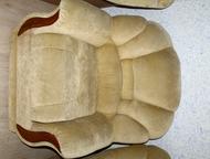 Продам кресло Продам кресло, есть отсек для хранения вещей, в хорошем состоянии.