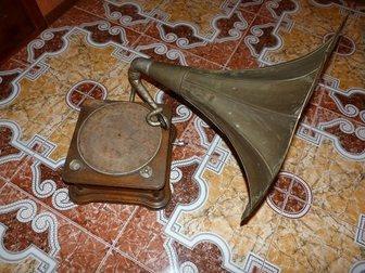 Свежее изображение Антиквариат Продам старинный Граммофон 34520600 в Москве