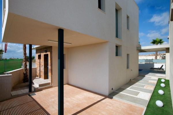 Самая дешевая недвижимость на берегу моря эта попытка