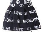 ����������� � ������ � �����, ���������� ������� ������ �������� �������� ���� Love Moschino. ����� � ������ 2�700