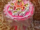 Просмотреть фото  Букеты из конфет и игрушек 34512521 в Москве