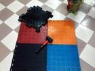 Увидеть foto Спортивный инвентарь Сборный спортивный коврик защита пола вокруг гантельного ряда 37798295 в Москве