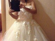 Продам свадебное платье + шубка Продаю свадебное платье, размер М, с корсетом (п