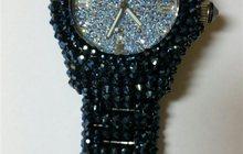 Часы с камнями Svarowski фирмы Coguer