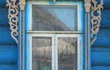Оконное обрамление деревенского дома