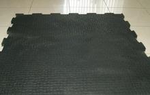 Большие резиновые плиты ПАЗЗЛ для сборки полов в гараже или цехе