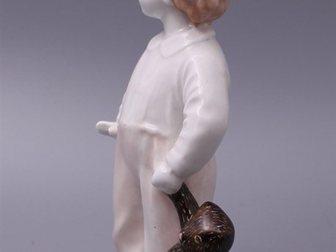 Скачать изображение  Статуэтка Мальчик с мишкой, ЛФЗ, 1940-50 г, 32309991 в Москве