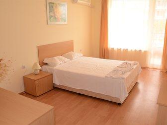 Просмотреть изображение Зарубежная недвижимость Двухкомнатная квартира в Болгарии с видом на море и бассейны 32815321 в Москве