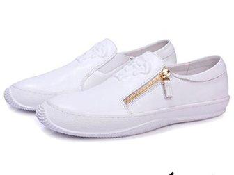 Увидеть foto Мужская обувь Мокасины Versace Medusa 32869178 в Москве