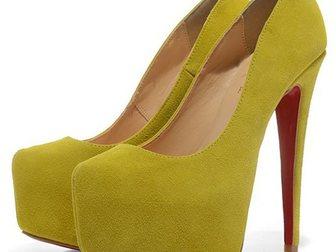 Просмотреть изображение Женская обувь Туфли Christian Louboutin Suede 33052983 в Москве