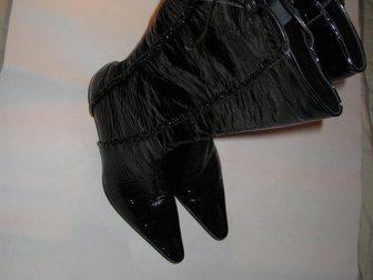 Смотреть foto Женская обувь Продаю сапожки в стиле Винтаж 38 р. кожа 33857096 в Москве