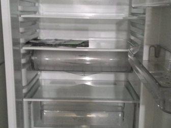 Смотреть foto Холодильники Холодильник Hotpoint Ariston, б/у, рабочий 34119909 в Москве