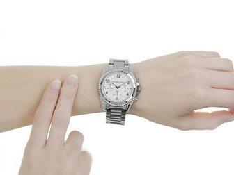 Просмотреть фото Часы Часы женские MK Blair, серебряные 34698374 в Москве