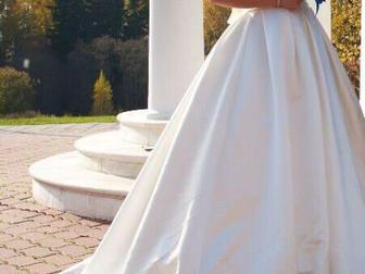 Смотреть фото  Срочно! Шикарное платье! 39338018 в Зеленограде