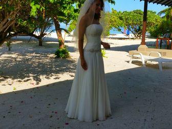 Просмотреть фотографию Свадебные платья Продаю практически новое свадебное платье 40025170 в Москве