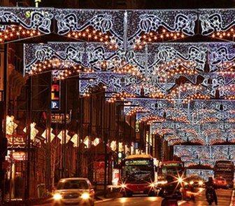 Фото в Услуги компаний и частных лиц Разные услуги Выполним монтаж новогоднего освещения любой в Москве 100
