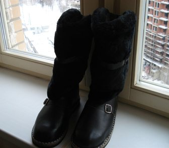 Фотография в Одежда и обувь, аксессуары Мужская обувь : Абсолютно новые унты из кожи на меху, раз. в Москве 2500