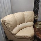 Продам кожаный диванчик