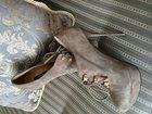 Фото в Одежда и обувь, аксессуары Женская одежда Почти новые, обувала пару раз, 38 размер в Новосибирске 1000