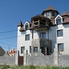 Роскошный дом в городе, в шикарном месте: 15 минут до метро,