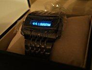 Часы Diesel хищник с бегущей строкой Мужу подарили двое одинаковых часов на день