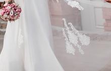 Свадебное изящное платье за пол цены