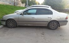Toyota Avensis 1.6МТ, 2001, седан