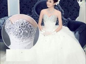Смотреть foto  Продается шикарное свадебное платье 32512664 в Новосибирске