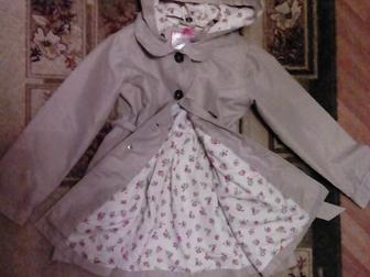 Уникальное изображение Детская одежда Продам плащ осенний на девочку р-р128 36903851 в Новосибирске