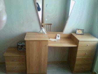 Увидеть изображение  двухспальная кровать с тумбой и зеркалом 36911614 в Новосибирске