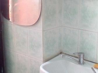 Смотреть фотографию Продажа квартир Продам комнату в 3-комнатной квартире, Котовского,5/2 37516263 в Новосибирске