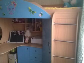 Смотреть foto Мебель для детей Детский комплекс-кровать, шкаф, стол+ матрас 37664276 в Новосибирске